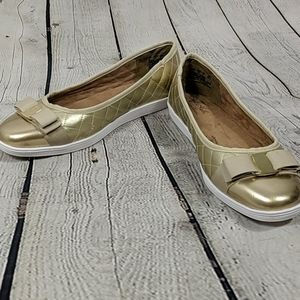 Hush puppies gold patent leather quilted slip ons